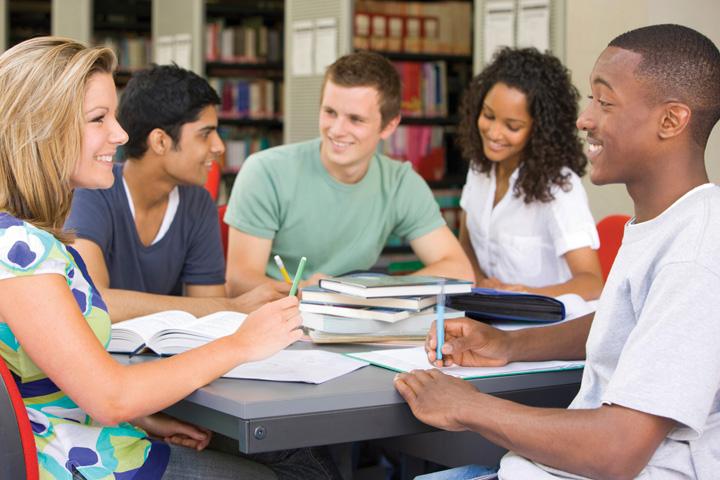 Học theo nhóm là một cách tạo môi trường luyện tập thường xuyên
