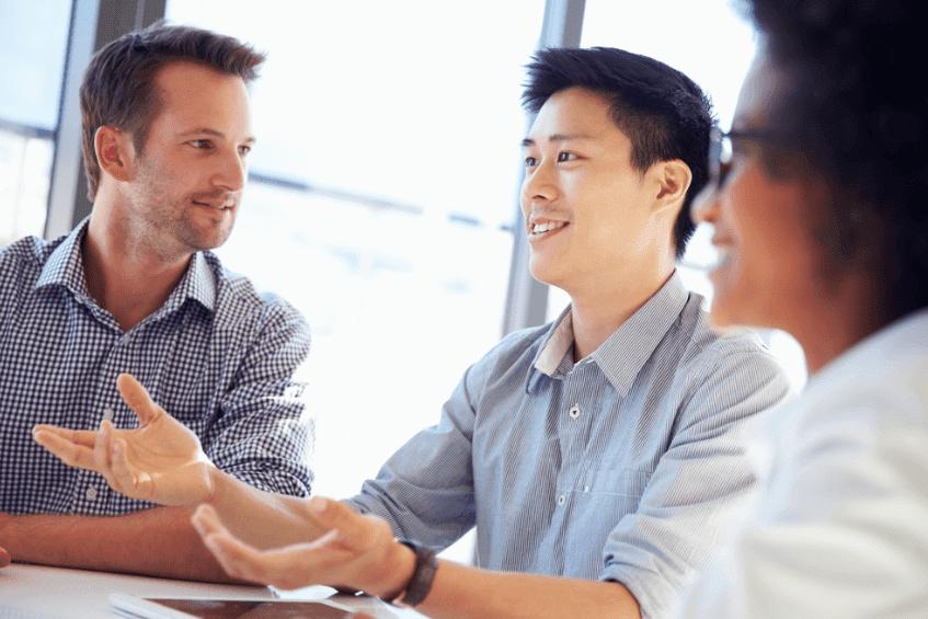 Sử dụng thành thạo tiếng Anh giao tiếp trong công việc giúp bạn có nhiều cơ hội thăng tiến hơn