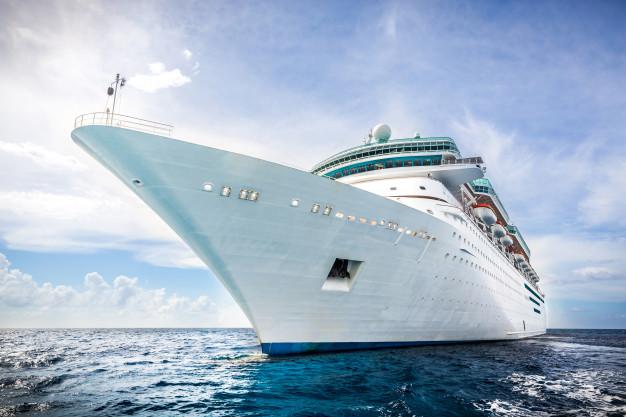 Cruise ship: tàu du lịch (du thuyền)