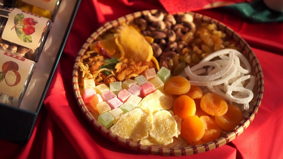 Dried candied fruits = Mứt
