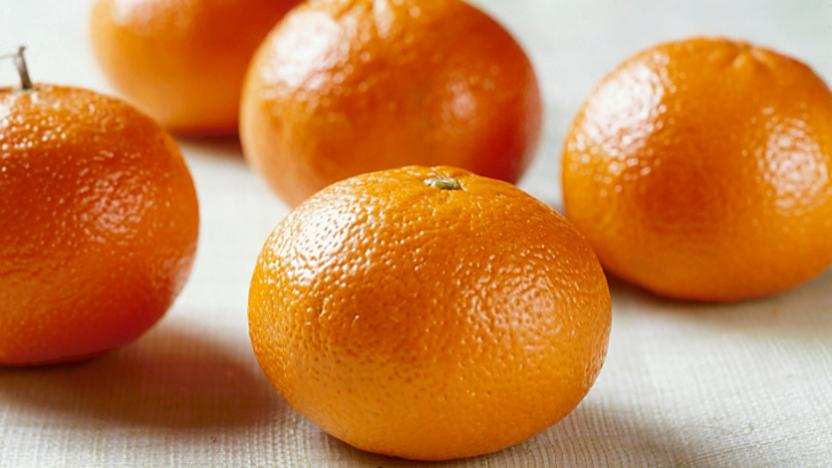 Mandarin (or tangerine): /'mændərin/: quýt