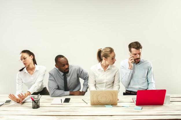 Cách giao tiếp cực hiệu quả cho nhân viên văn phòng
