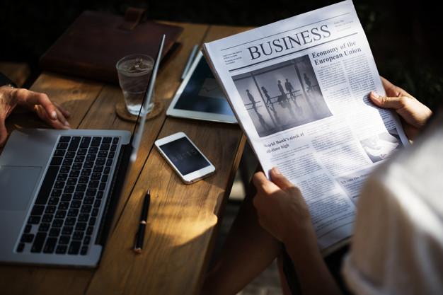 Bạn có thể đọc các mẩu tin, tạp chí có liên quan đến chuyên ngành của mình.