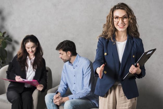 Top 5 ngành nghề lý tưởng cho người giỏi tiếng Anh