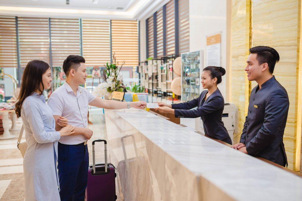 Một số mẫu câu giao tiếp tiếng Anh chuyên ngành khách sạn