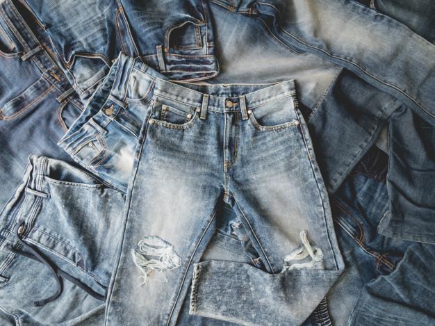 jeans /ji:n/: quần bò