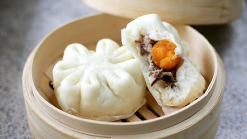 Steamed wheat flour cake: bánh bao