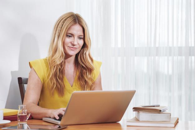 Hướng dẫn các bước viết email cung cấp thông tin bằng tiếng Anh