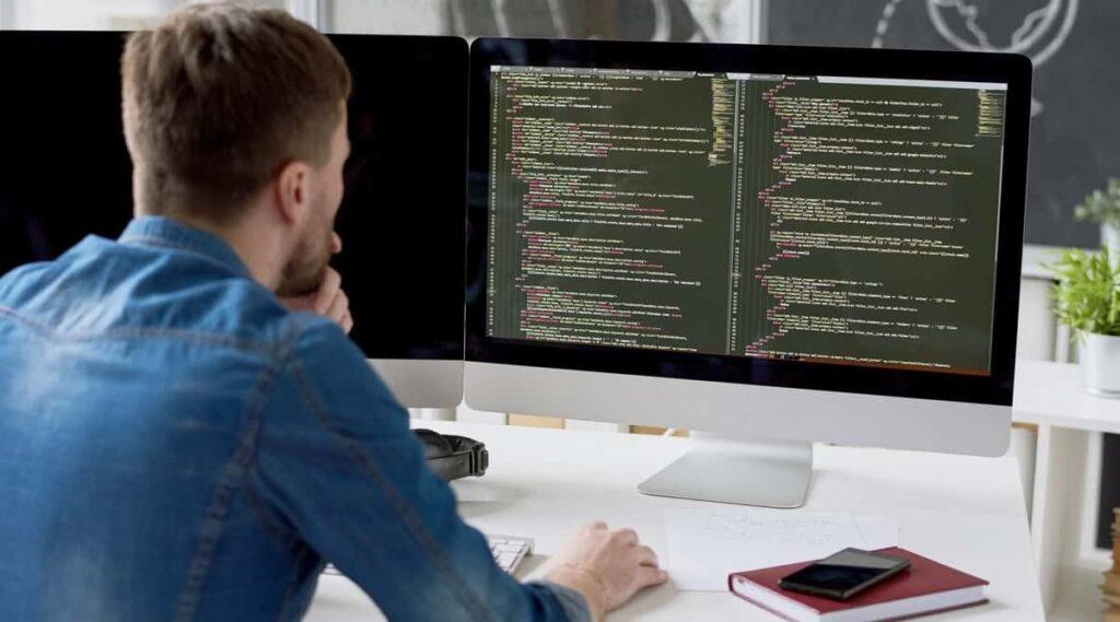 programmer: lập trình viên máy tính