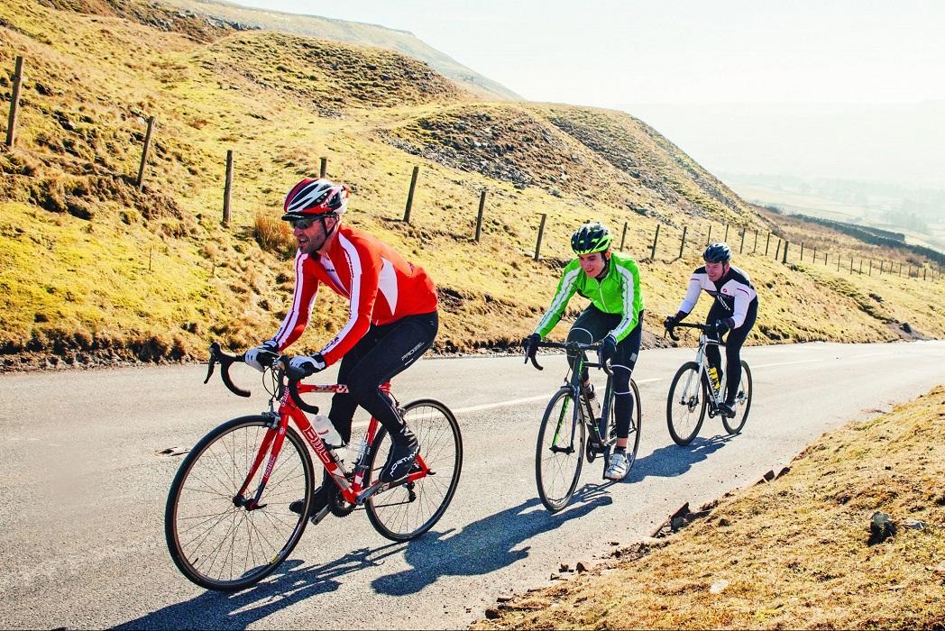 Cycling /'saikliŋ/: đua xe đạp