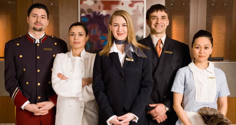 Nhân viên khách sạn
