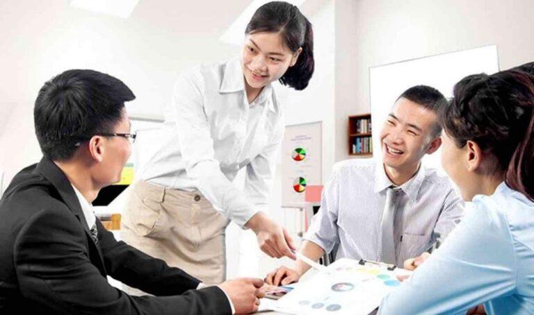 10 mẹo giúp người đi làm học Tiếng Anh giao tiếp hiệu quả