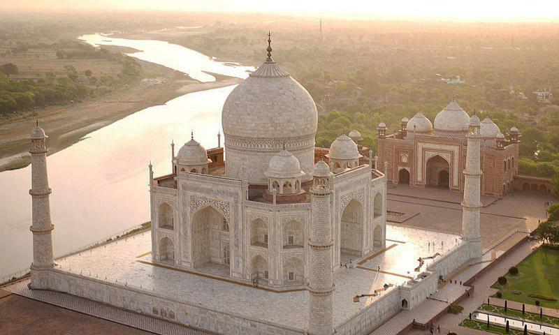 Taj Mahal – Đền Taj Mahal ở Ấn Độ.