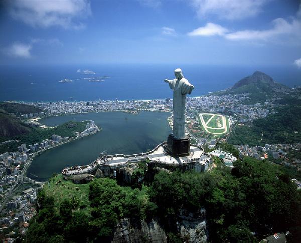 Christ the Redeemer – Tượng chúa cứu thế Kito của Brazil.